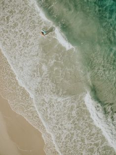 Favourite Beach in Sydney, Australia // JERVIS BAY, day at the beach, ocean, turquoise waters, picnic, watermelon, tropical getaway, holiday Turquoise Water, Sydney Australia, Watermelon, Toronto, Picnic, Tropical, Waves, Ocean, Beach
