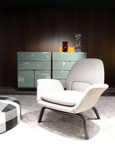 2012年 ミラノ・サローネ Minnotti  淡いブルーとベージュやブラウンの組み合わせが上品