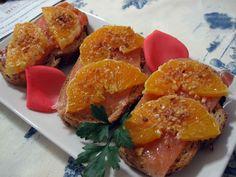 Tosta de salmón y naranja.