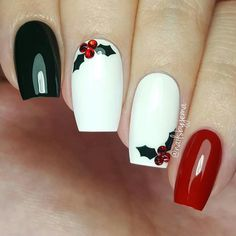 Festive Christmas Nail Designs for An outstanding Christmas nail art can help you get into the Christmas spirit.Hopefully you will find yours from this list and make you stand out this season. Xmas Nails, Holiday Nails, Red Nails, Red Christmas Nails, White Christmas, Holly Christmas, Chrostmas Nails, Blue Nail, Valentine Nails