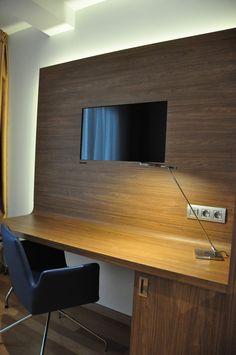 Una imagen del escritorio, con nuestra Smart TV integrada. Desde ella es muy fácil conectarse a redes sociales, consultar correos, leer la prensa o jugar...