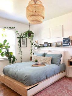 65 exclusive and new bedroom design trends 2019 35 Decoration Bedroom, Decoration Design, Home Decor Bedroom, Bedroom Wall, Diy Home Decor, Bedroom Ideas, Bedroom Plants, Bedroom Flowers, Cozy Bedroom