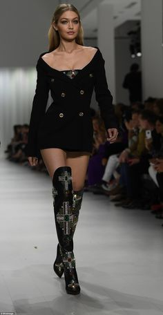 Gigi Hadid, Bella and chic Kaia Gerber at Versace MFW show - Legs for days: Gigi showcased her lithe limbs in an Eighties-inspired Bardot blazer dress and embellished thigh high boots Stage Outfits, Mode Outfits, Fashion Outfits, Womens Fashion, High Fashion Dresses, High End Fashion, Dress Outfits, Look Fashion, Fashion Models