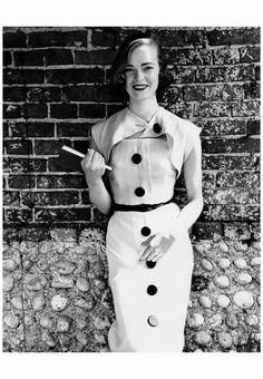 Susan Abrahams wearing Jaegar for Vogue July 1951 Photo Norman Parkinson