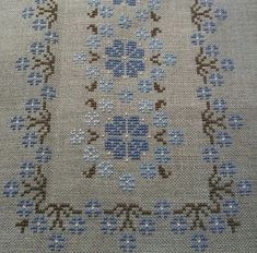 This Pin was discovered by Nev Cross Stitch Books, Cross Stitch Art, Cross Stitch Borders, Cross Stitch Flowers, Cross Stitch Designs, Cross Stitching, Cross Stitch Patterns, Hand Embroidery Design Patterns, Hand Embroidery Videos