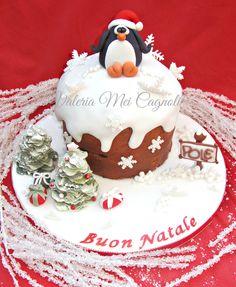 Panettone natalizio artigianale decorato con pdz.