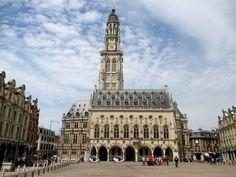 La Place des Héros et le Beffroi à Arras -- 03/04/16