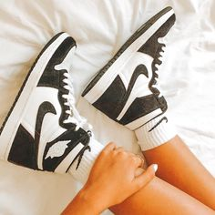 Black and White Nike Sneakers  Follow me  #nike#nikesneakers#blackandwhitesneakers#nikeblackandwhitesneakers Black And White Sneakers, Black Nike Shoes, Jordan Shoes Girls, Girls Shoes, Nike Sneakers, Sneakers Fashion, Crazy Shoes, Me Too Shoes, Aesthetic Shoes