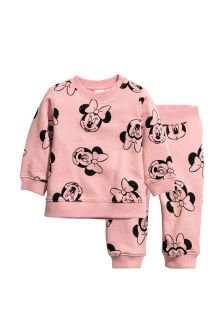 Set with top and joggers in sweatshirt fabric with a printed pattern. Top with snap fastener on one shoulder and ribbing at cuffs and hem. Joggers with ela Disney Baby Clothes, Baby Kids Clothes, Baby Disney, Disney Outfits, Baby Outfits, Baby Kind, Cute Baby Girl, Cute Babies, Baby Girl Fashion