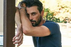 Skeet Ulrich, who you also know from Scream and now Riverdale, discusses his rocky career, loving family, and the Harvey Weinstein allegations. Riverdale Season 2, Riverdale Cast, Vanessa Morgan, Dylan O'brien, Tv Actors, Actors & Actresses, Cole Sprouse Baby, Skeet Ulrich Riverdale, Cole Sprouse Shirtless