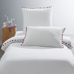 Patati Duvet Cover in Organic Cotton Percale AM.PM This premium organic cotton duvet cover in pure white or charcoal grey is embellished with a neat row of pompoms in a range of pink hues for an. Cotton Bedding, Linen Bedding, Bedding Sets, Bed Linen, Comforter Cover, Bed Sets, Bed Sheet Sets, Quilt Cover, Bed Covers