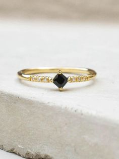 Diamond Shaped Ring - Gold   Black – The Faint Hearted