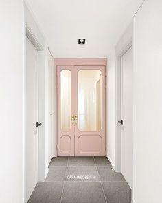 별내 쌍용예가 45-마지막 현관으로 핑크 포인트 마무리🙆🏻♀️🤗현관은 깔끔하게 상하부 간접과 골드 손잡이와 제작 골드 거울로 밋밋하지않게 포인트👏🏻-#interiordesign #interior #inspiration #homeinspration #home #homesesign #pink #tile #furniture #white #entrance #carminedesign #인테리어 #인테리어디자인 #현관 #현관인테리어 #제작중문 #핑크인테... Door Design, House Design, Salon Interior Design, Space Interiors, Interior Concept, House Entrance, Paint Colors For Home, Internal Doors, Commercial Design