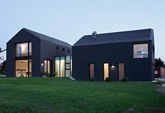 Neubau eines Einfamilienhauses mit Einliegerwohnung und Doppelgarage in Lauf