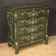 Dutch dresser from the first half of the century. Furniture of beautiful line and pleasant decor in lacquered and hand-painted wood Antique Market, Wooden Tops, Chalk Paint Furniture, Beautiful Lines, Wood Colors, Painting On Wood, Antique Furniture, Vintage Designs, Painted Wood