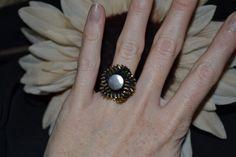 Ring aus Reißverschluss mit Blumenform