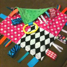 Taggie made with monster pull and minky material. Sewing Projects For Kids, Sewing For Kids, Sewing Crafts, Sewing Ideas, Newborn Crafts, Baby Crafts, Sensory Blanket, Baby Sensory, Tag Blankets For Babies