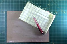 MATERIAL BÁSICO PATCHWORK - MIMANA PATCHWORK Zip Around Wallet, Sewing Needles, Sewing By Hand, Beginner Sewing Patterns, Sewing Tutorials, Chalk Markers, Ironing Boards, Threading