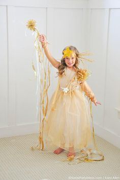 Easy DIY Shooting Star Halloween Costume by Kara's Party Ideas | Kara Allen | KarasPartyIdeas.com for Michaels #michaelsmakers-49