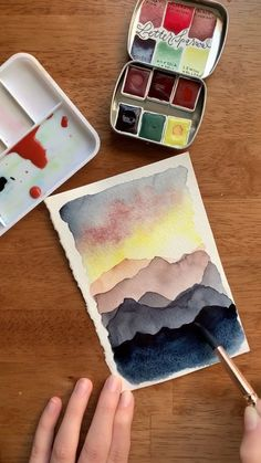 Love painting these layered mountain ranges in watercolor! Want to learn how? Check out my wilderness watercolor ebook 😍 painting videos Watercolor mountain sunset 🌅 Watercolor Video, Watercolor Sunset, Watercolor Painting Techniques, Watercolour Tutorials, Watercolor Landscape, Watercolor Art, Watercolor Animals, Watercolor Background, Watercolor Illustration
