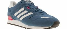 Adidas Blue Zx 700 W Trainers All your retro runner dreams have come true with the adidas ZX 700. This super cool silhouette is dressed in a blue suede upper and features accents of white and pink for a fun colourway. Iconic brand http://www.comparestoreprices.co.uk//adidas-blue-zx-700-w-trainers.asp