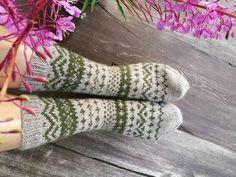 Knitting Charts, Knitting Socks, Wool Socks, Fingerless Gloves, Arm Warmers, Mittens, Crochet, Awesome Socks, Handmade