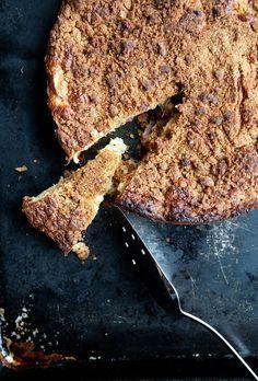 rhubarb crumble cake slice 1