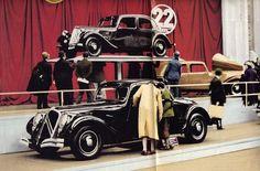 Citroën Traction Avant 22 CV (1934) - Atomic Samba.