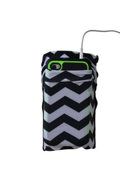 Speedzter Cell Phone Armbands are perfect for your cell phone while you run. No…