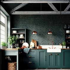 Top 10 Luxury Kitchen Ideas Probably everyone would love to have luxury kitchen at some point of their lives. If you currently feeling like that, you are at the great place! Check our top 10 luxury kitchen ideas. Dark Green Kitchen, Green Kitchen Cabinets, Dark Cabinets, Funky Kitchen, Gold Kitchen, Kitchen Island, Home Decor Kitchen, Kitchen Interior, Copper Interior