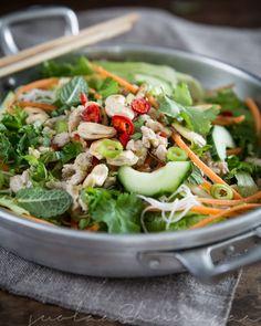 Puolessa tunnissa pöytään - thaimaalainen possu-nuudelisalaatti