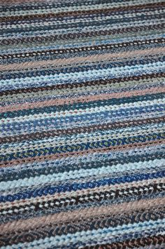Woven Rug, Old Houses, Loom, Carpet, Bohemian Summer, Rugs, Retro, House Styles, Inspiration