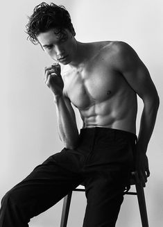 KEENAN KELLEY represented by Vision Models LA, modeling and talent agency based in Los Angeles Body Reference Poses, Body Reference Drawing, Human Reference, Pose Reference Photo, Drawing Tips, Senior Girl Photography, Photography Poses For Men, Male Models Poses, Male Poses