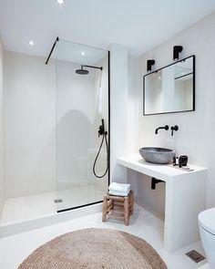Home Interior Hamptons .Home Interior Hamptons Minimalist Bathroom, Modern Bathroom, Small Bathroom, Bathroom Canvas, Bad Inspiration, Bathroom Inspiration, Mykonos Hotels, Rustic Home Interiors, Hotel Interiors