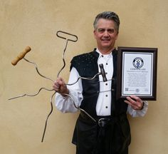 """BHARAT WORLD RECORD """"Swallowing a Giant Corkscrew"""" World Renowned Sword Swallower Brad Byers"""