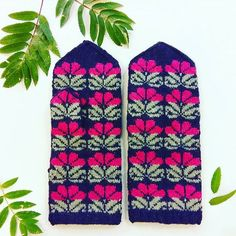 Next week we are launching special collection of Flower theme mittens for online purchase.  Are You excited as much as we are?   #vantar #selbuvotter #votter #selbustrikk #selbuvott #selbu #mittens #gloves #knittedmittens #knitmittens #woolgloves #ethnographic #handknitted #strikkedilla #garnglede #knit #stickat #strickning #strikk #handarbeit #latvian #madeinlatvia #knitting #latvianmittens #igers #instagramers #instapic #photooftheday #pic #moodygrams