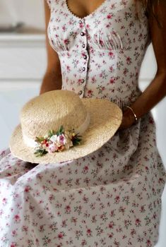Hattie Mae, Rose Cottage, Garden Cottage, What A Girl Wants, Romantic Cottage, Summer Chic, My Spring, Cowboy Hats, High Fashion