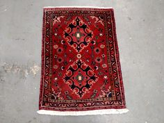 1990s Hand-Knotted Vintage Heriz Persian Rug (3422) by carpetshopprincess on Etsy