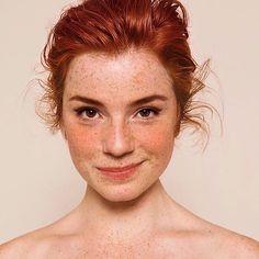 - Portrait Refs etc - - Brauchen Sie wirklich … CBD Oil-Infused Skin Care? – Portrait Refs etc – - Face Drawing Reference, Anatomy Reference, Foto Portrait, Beauty Portrait, Woman Portrait, Female Portrait, Photographie Portrait Inspiration, Face Photography, Photography Women