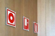 Placas de emergencia sobre metacrilato Chicago Cubs Logo, Team Logo, Symbols, Logos, Art, Licence Plates, Art Background, Logo, Kunst