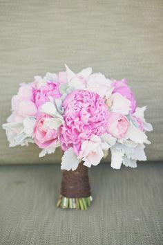 Gorgeous pink bride's bouquet