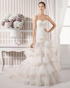 8S198 LYNN | Wedding Dresses | 2015 Collection | Luna Novias