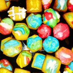 Galletas de Mantequilla Navideñas Christmas Cooking, Cupcake Recipes, Easter Eggs, Cupcakes, Cookies, Baking, Breakfast, Food, Christmas Cookie Recipes