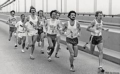 The 1976 running of the New York City Marathon was Bill Rodgers' chance to prove himself after a miserable Montreal Olympics. City Marathon, Marathon Running, Steve Prefontaine, Running Motivation, Track And Field, Cross Country, Sport Outfits, Olympics, New York City