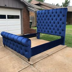 Bed Headboard Design, Headboards For Beds, Bed Design, House Design, Full Headboard, Bed Furniture, Furniture Design, Sleigh Beds, Cheap Apartment
