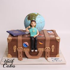 Travel suitcase 40th birthday cake - unikcakes.com