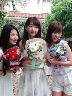 Asuka Kuramochi, Yuki Kashiwagi, Aki Takajo  -  (French Kiss)