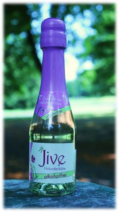 JIVE Holunderblüte alkoholfrei! Der prickelnde, alkoholfreie Ready-to-drink Cocktail mit natürlichem Holunderblütenextrakt ist ein Genuss in der Hochsommerzeit: http://www.brandnooz.de/products/jive-holunderbluete-alkoholfrei