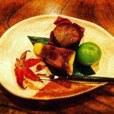 AUTUMN CUISINE #япония2016 #япония2015 #япония #japanese #japanesecuisine #cuisine #tokyo #team_jp_西 #JPgram #likeback #likes #like4like #likeforlike #love #kaiseki #travel #instagood #igers #instatravel #relax #momiji #еда #японскаяеда #кайсэки by fujitravel.ru