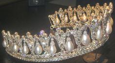 Königliche Juwelen: Perlen-Tropfen Tiara